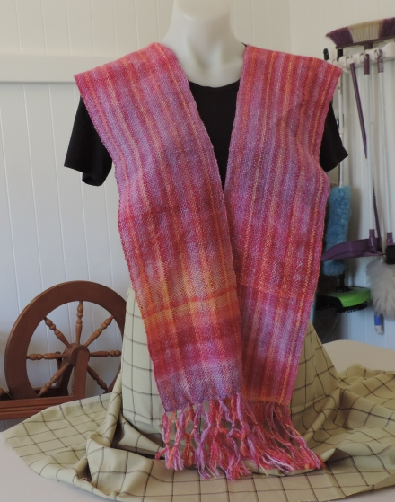 03 2019 Scarf for Connecting Thread (2)